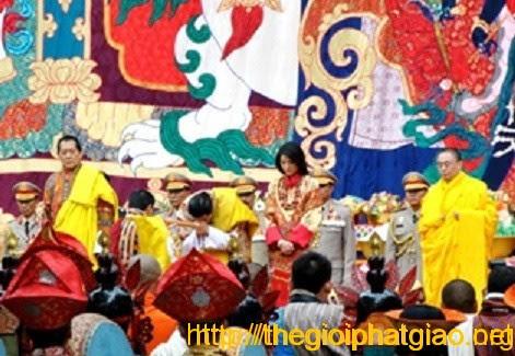 Lễ cưới đầy sắc màu Phật Giáo của Hoàng Gia làm khuấy động cả Bhutan