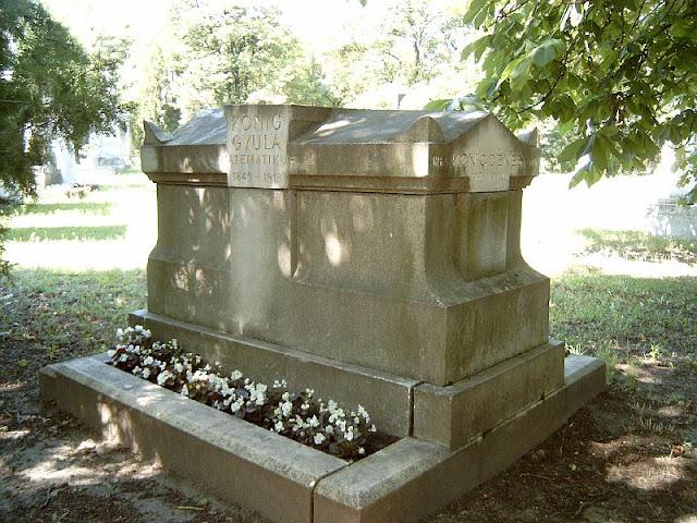 König Gyula és Kőnig Dénes sírja a Kerepesi temetőben. Varga József fényképe