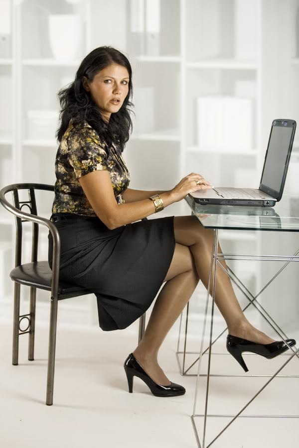 Fashion Tights Skirt Dress Heels Work Look