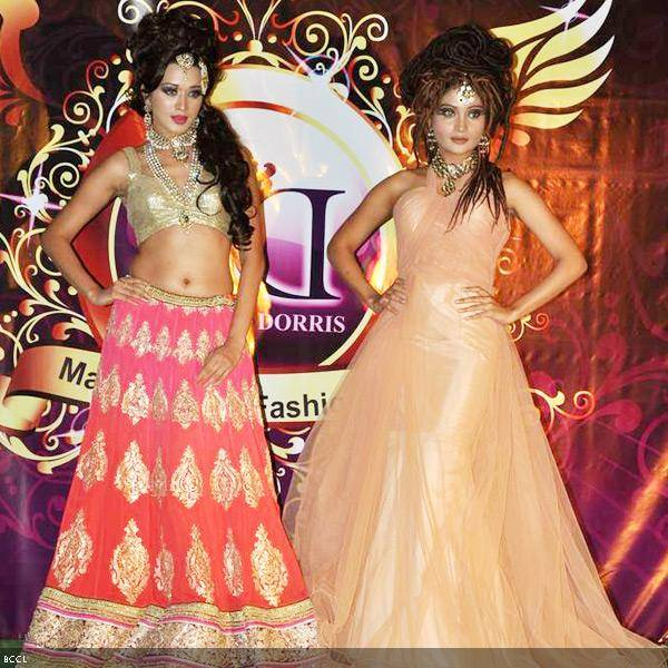 Models in stunning creations walk the ramp during Bharat and Dorris Godambe's wedding show, held in Mumbai. (Pic: Viral Bhayani)