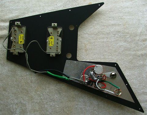 gibson flying v faded the gear page the pickups are peter florance voodoo 60s humbuckers i had purchased them a few years ago for an sg and held on to them after selling off the guitar
