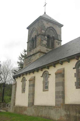 L'église de Saulzet-le-Froid. Un lieu qui, au passage, porte bien son nom !