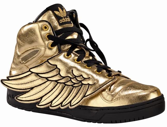 adidas doradas con alas