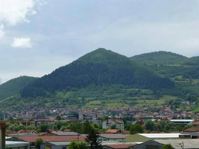 Bỗng nhiên khỏi bệnh sau khi thăm Kim tự tháp Bosnia