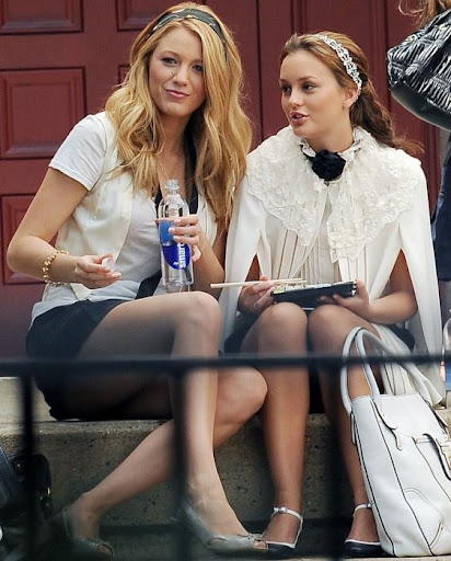 Blake Lively and Leighton Meester - Page 5 Sushi-on-the-steps_562x698