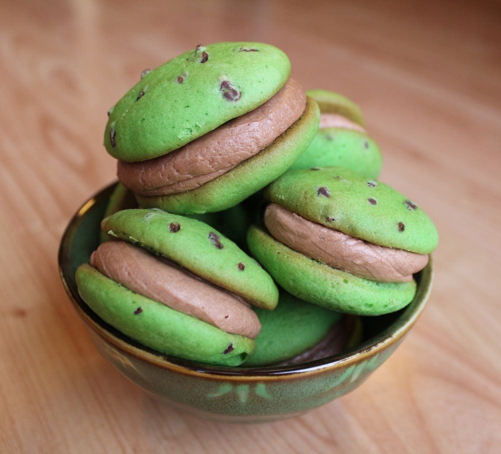 made some mint chocolate chip whoopie pies for st patrick s day ...