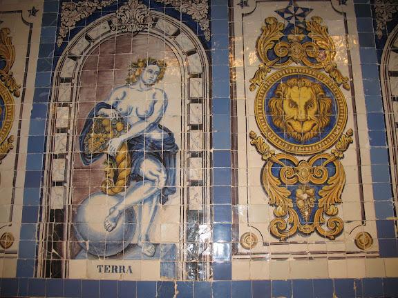 Azulejo de la Cervejaria da Trindade.-Lisboa