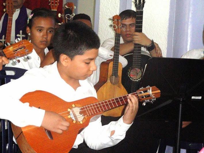 En el concierto de Achaguas actuaron varios jóvenes músicos en calidad de solistas