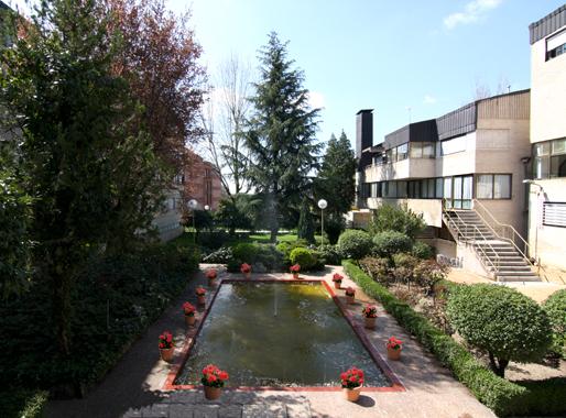 Colegio Mayor Universitario Isabel de España