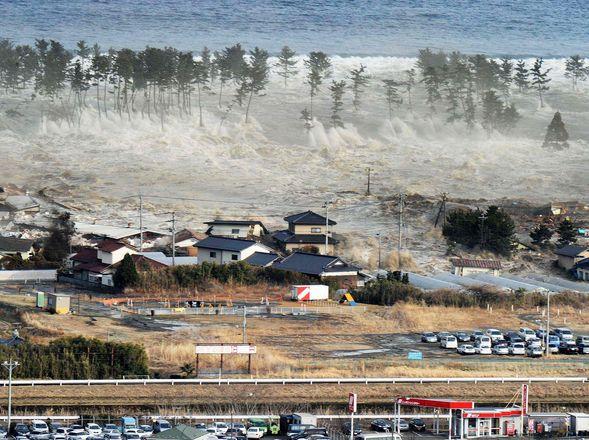tsunami tras terremoto en Japon