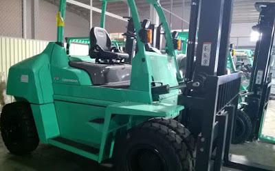Xe nâng diesel 6-8 tấn