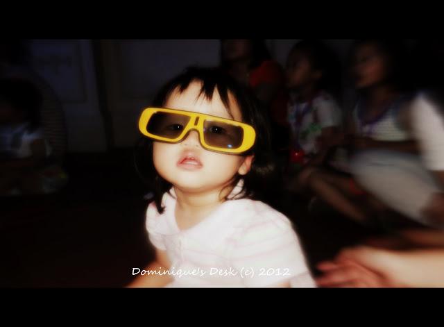 Tiger girl in 3d glasses