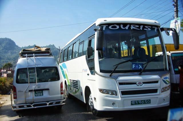 達人帶路-環遊世界-尼泊爾PoonHill健行-遊客巴士