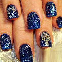 unhas azuis decoradas para o Réveillon