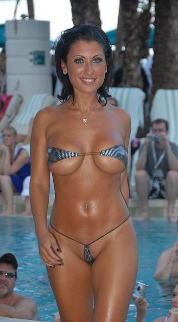 Brunette Beauty in a Metallic Micro Bikini:boob,bikini girl0