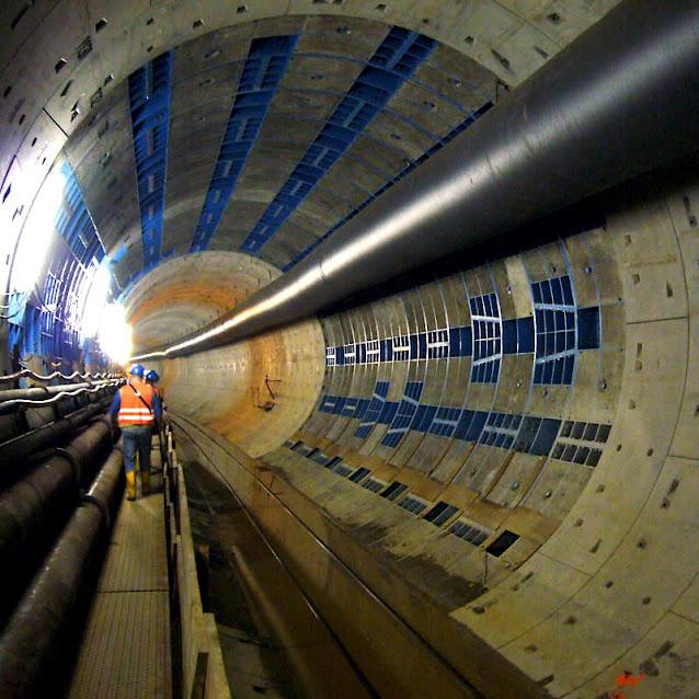 Строительство второй линии метротрама в Дюссельдорфе. Свободное изображение Википедии, автор фото Luekk.