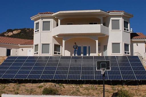 Residential Solar Panels Image