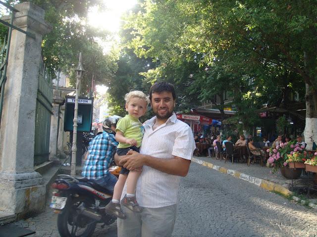 Emirgan sokaklarında dolaşırken
