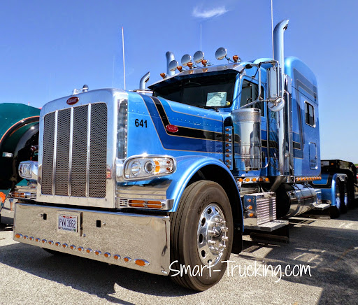 peterbilt-389-royal-blues-walcott-2.jpg