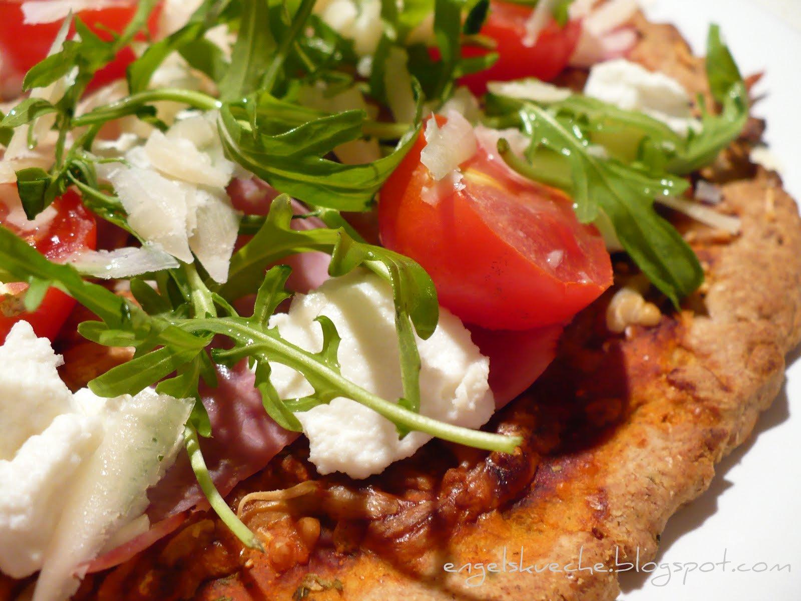 Essen aus Engelchens Küche: Quark-Öl-Teig-Pizza mit Rucola, Ricotta ...