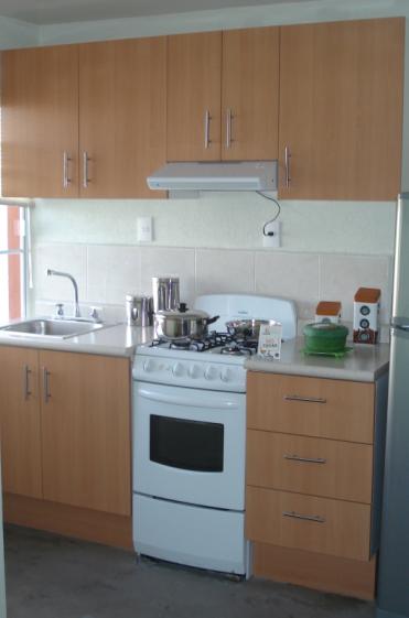 F brica de cocinas y closets dise o en espacios peque os for Fabrica de cocinas madrid