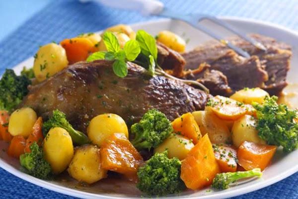 Carne de Panela com Brócolis e Cenoura
