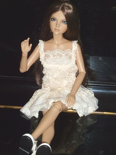 Alice (Leona JID Iplehouse) en cure de remise en forme (p 2) Arrive%25CC%2581e%2520Leona07