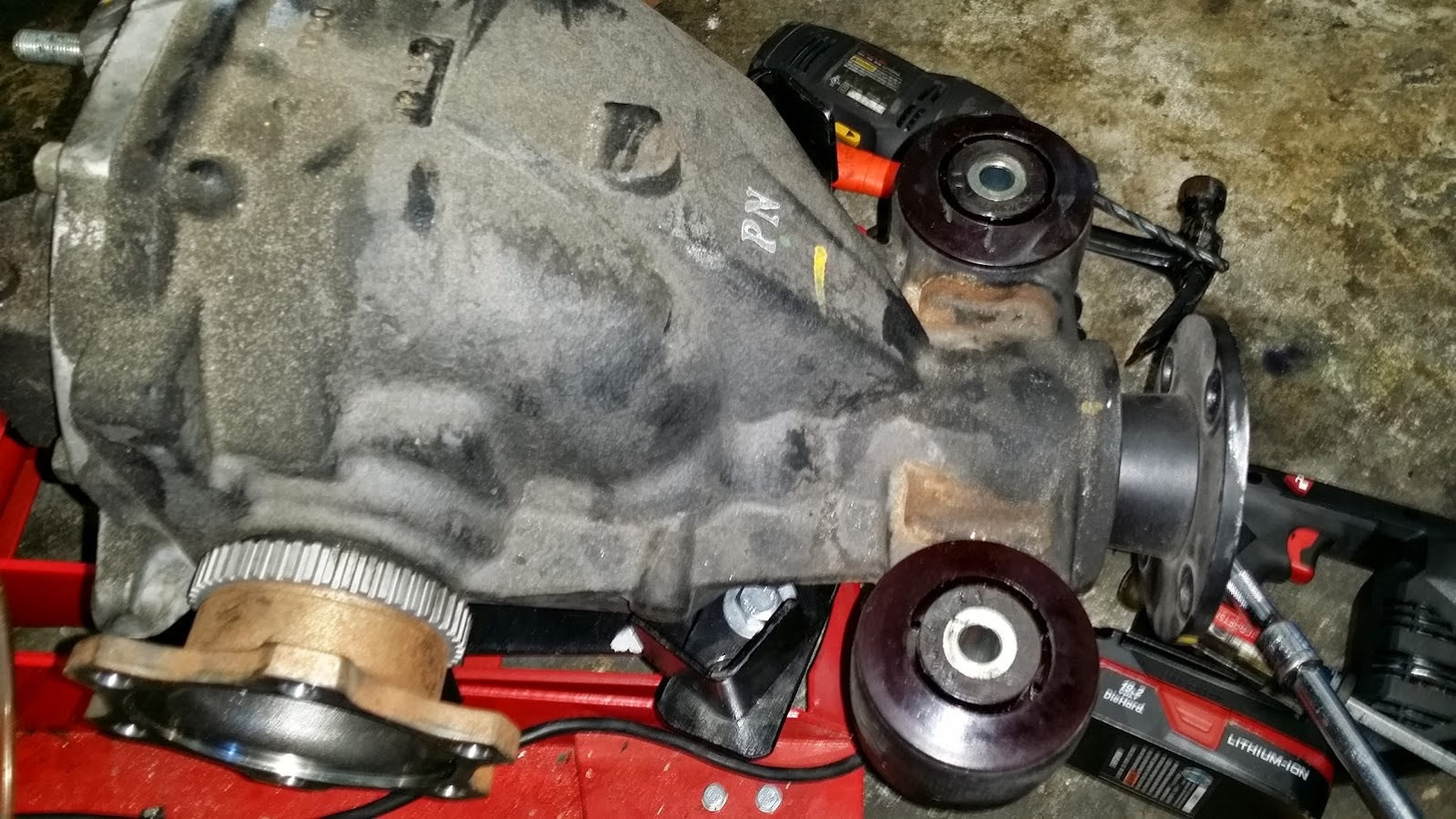 How to remove rear differential