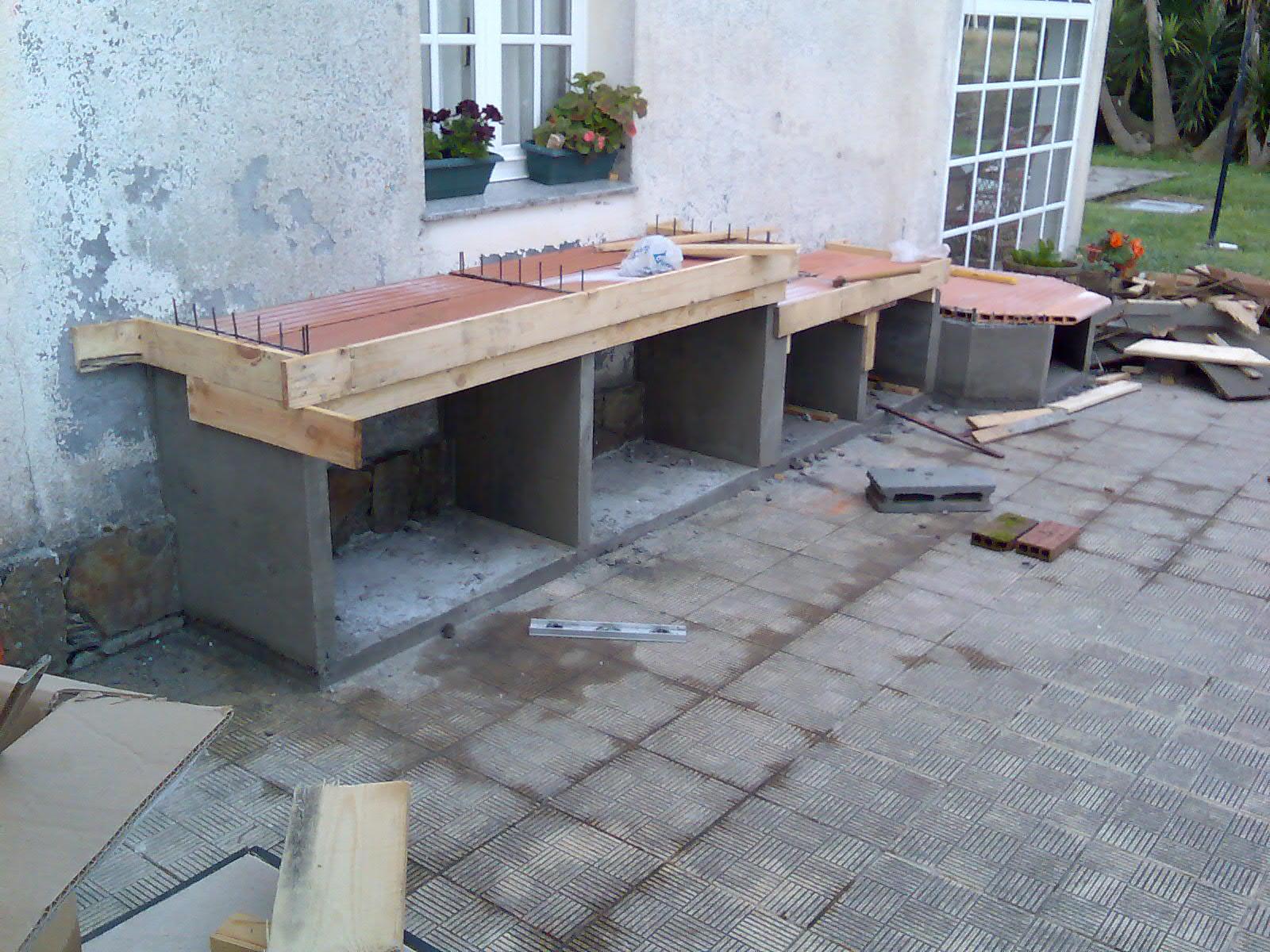 El sexagenario horno de le a y barbacoa - Como construir un tejado ...