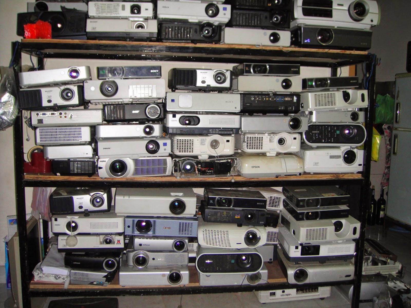 Các máy chiếu được sửa chữa
