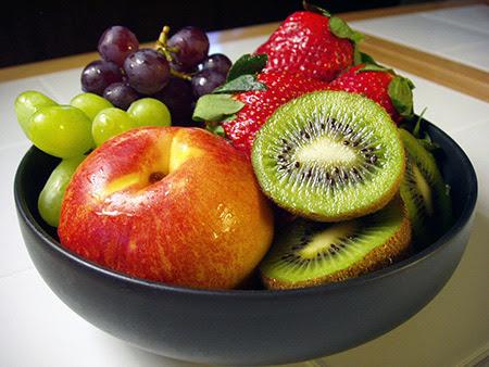 kiwi mela uva fragola