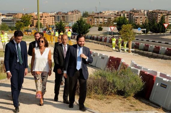 Mejora del acceso peatonal entre Tres Olivos y Montecarmelo por el Puente sobre la M-607