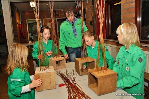 creatief vlechten met wilgentenen Scouting overloon  (10).JPG