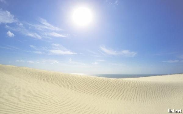 ảnh bãi biển đẹp với cát vàng