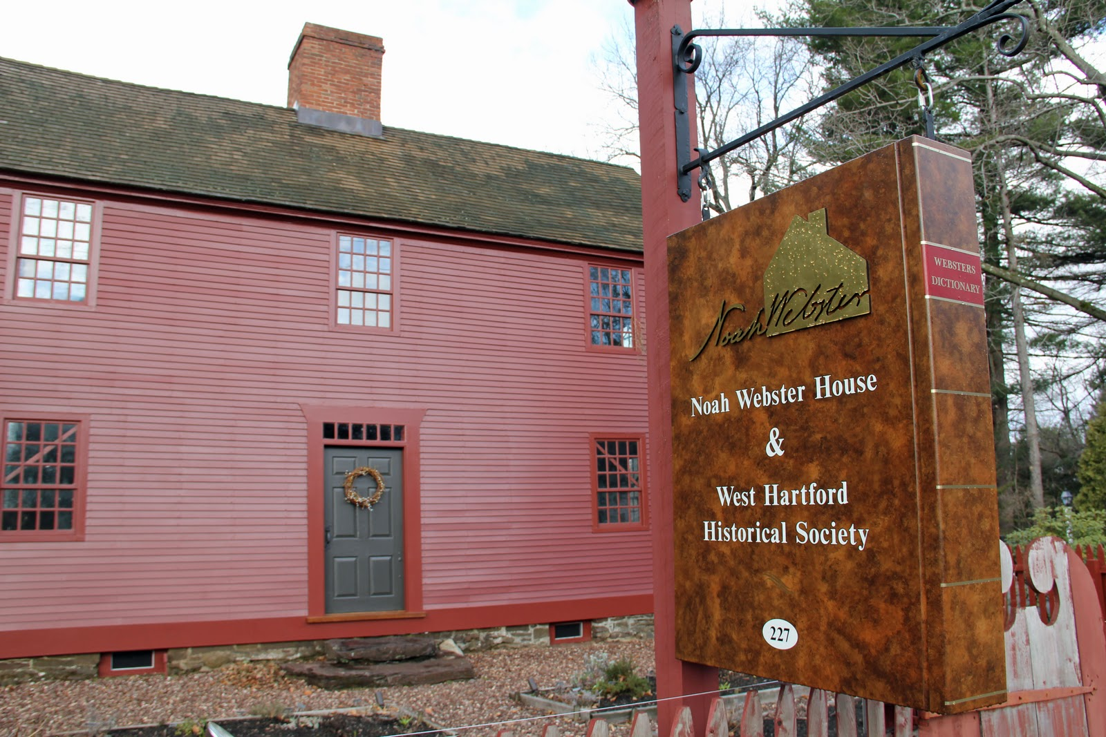 Naples and hartford in season noah webster house for The hartford house