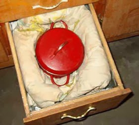 http://planetsave.com/2008/10/09/take-action-to-save-energy-cooking-with-an-insulated-hot-box/