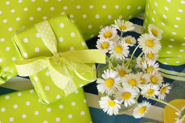 ảnh những gói quà sinh nhật dễ thương