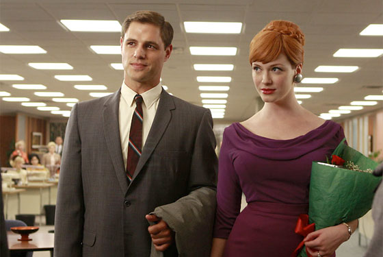 Joan Holloway y su marido