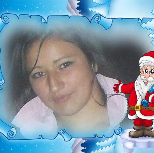 Adriana Yanez Photo 15