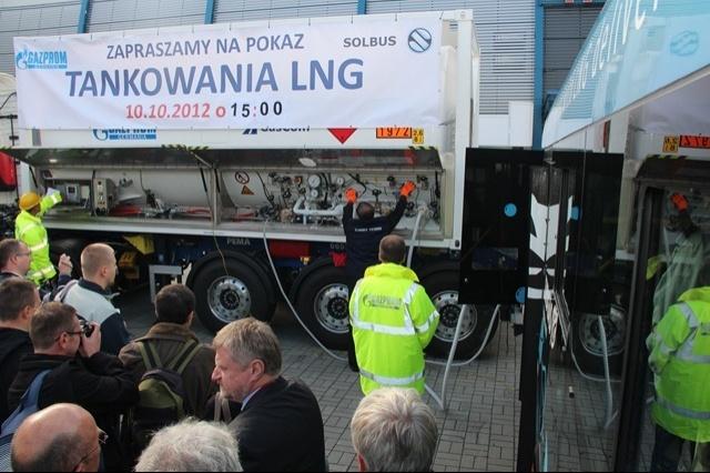 TransExpo 2012. Tankowanie Solbusa SM 12 LNG