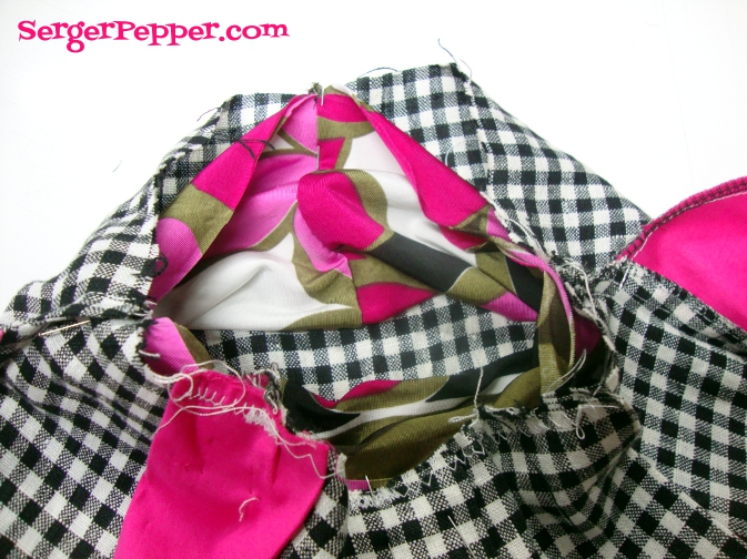 Serger Pepper - The Mary Skirt - FREE pattern - box pleated