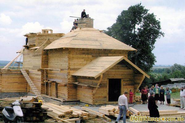 Церква Косьми і Деміана в с.Розваж після знищення . Фото з ФБ