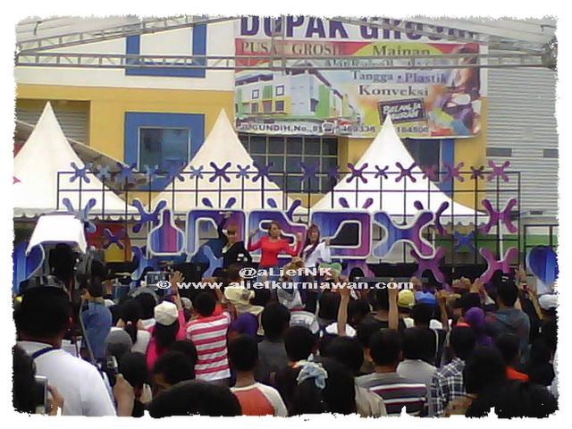 Trio Macan - Cicilalang @ Inbox SCTV - Dupak Grosir Surabaya [image by @aLiefNK]