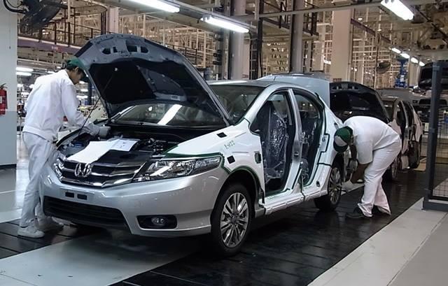 Đơn hàng đúc nhựa phụ tùng ô tô cần 18 nam làm việc tại Aichi Nhật Bản tháng 01/2018