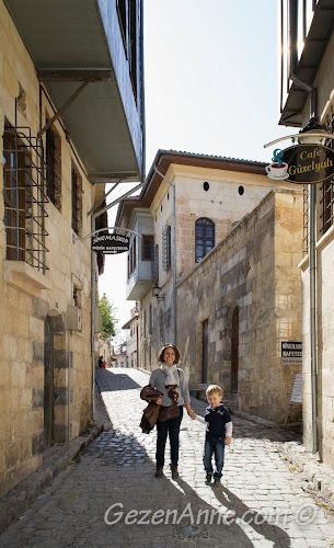 Bey Mahallesi'nde dolaşırken, Gaziantep