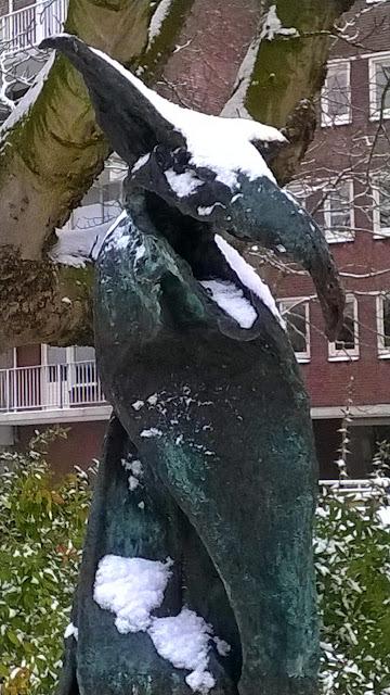 Dreckschnabel in de sneeuw