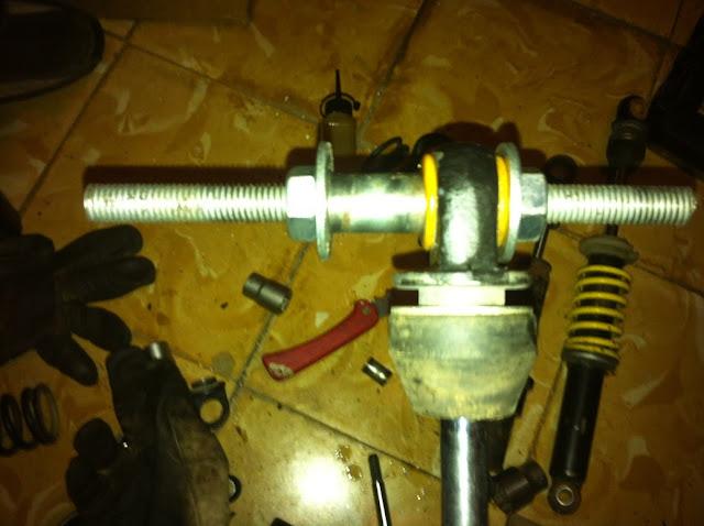 Motos Varias - Comprobar Amortiguador Trasero IMG_2503
