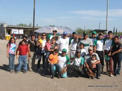 Equipo Yanquis del torneo de softbol del Club Sertoma
