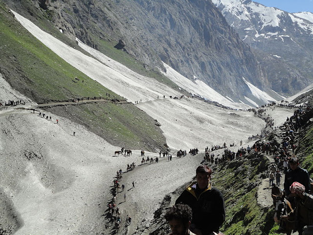 Amarnath pilgrims en route the holy shrine