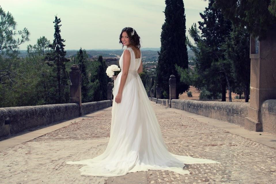 Vestido de novia en gasa de seda blanca